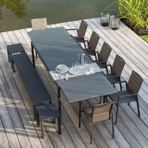 SELECTA DINING TABLE